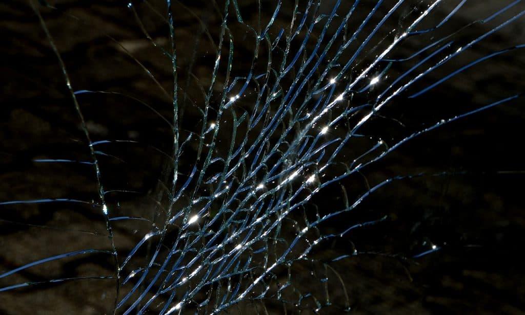 Zerbrochene Glassscheibe